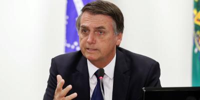 Descontento con Bolsonaro sube en medio de crisis por incendios en Amazonia