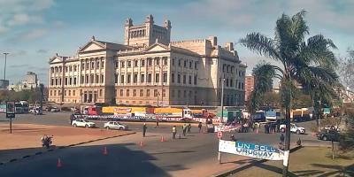 Un Solo Uruguay denuncia que la policía no les permite ingresar vehículos para manifestarse