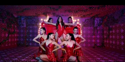 Frescura y sensualidad en nuevo hit de Tini