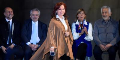 Cristina Fernández viajó a Cuba esta madrugada para visitar a su hija