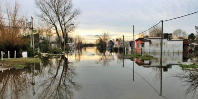 Recorrerán el río San José para atender a unas 100 familias que viven en zonas inundables