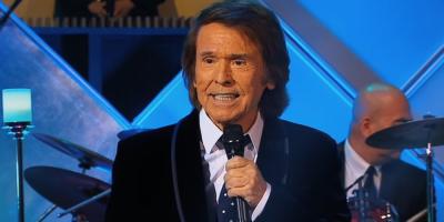 Raphael renueva contrato con Universal Music ante sus 60 años en la música