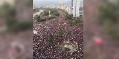 Víctor Jara se hace presente en las protestas en voz de artistas chilenos