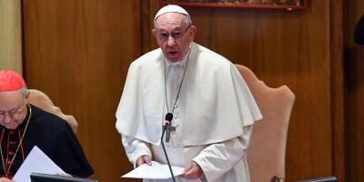 Vaticano convoca a gigantes de internet para tratar la protección de menores