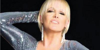 La cantante argentina Valeria Lynch anunció que cambió su apellido por un día