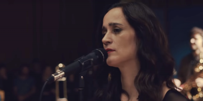 """Julieta Venegas lanza """"La Enamorada"""", nuevo álbum basado en su obra de teatro"""