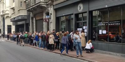 Larga fila en la Junta Electoral para justificar porqué no votaron