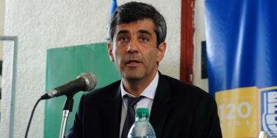 El BROU rechazó los dichos de Manini Rios y aseguró que no se facilitaron prestamos a militantes del Frente Amplio