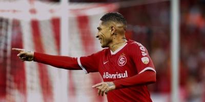 """Paolo Guerrero """"estaría feliz de ir a Boca"""", dice su agente"""