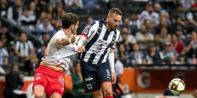 Los clubes de fútbol triplican su gasto en intermediarios de fichajes