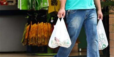 Italia aprueba la ley de Presupuestos con impuestos al plástico y al azúcar