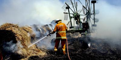Armada australiana comienza a evacuar a miles de afectados por los incendios