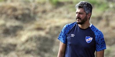 Gustavo Munúa dirige el primer entrenamiento de pretemporada de Nacional