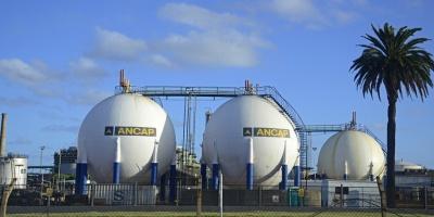Ancap busca cubrirse de posible alza en precio del petróleo ante el conflicto entre EE.UU. e Irán