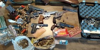 Hallan joyas y armas tras un allanamiento en Aeroparque, Canelones