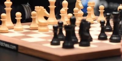 La china Ju Wenjun retiene su corona en el desempate