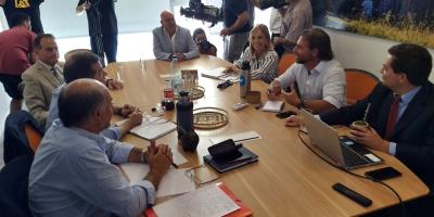 Partidos de la coalición multicolor inician discusión sobre ley de urgente consideración