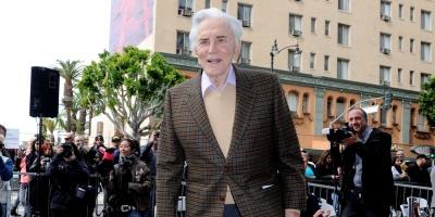 Hollywood llora la pérdida Kirk Douglas, el último icono de su edad dorada