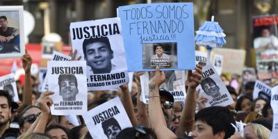 Multitud pidió justicia por joven asesinado en Argentina a un mes del crimen