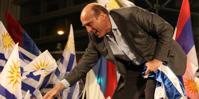 El FA lidera la intención de voto en Montevideo con el 56 %, según Opción