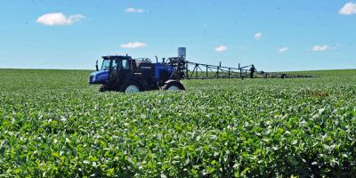 Argentina avisó a los agricultores que subirá tributo a exportación de soja