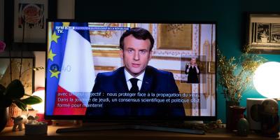 Francia comienza a evacuar enfermos en avión militar a otras zonas del país