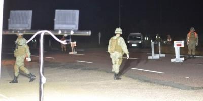 Un jeep militar que realizaba tareas de vigilancia en la frontera volcó cerca de Carmelo