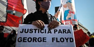 Un grupo de manifestantes rompieron cuarentena en Buenos Aires para marchar por muerte de Floyd en EE.UU.