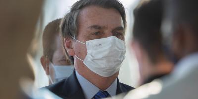 Bolsonaro dice que la muerte es destino de todos en día de récord de víctimas