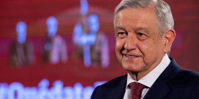 """López Obrador llama a mexicanos a quedarse en casa pese a """"nueva normalidad"""""""
