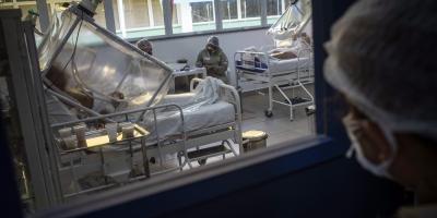 Brasil registra récord de 1.349 muertes en un sólo día por COVID-19