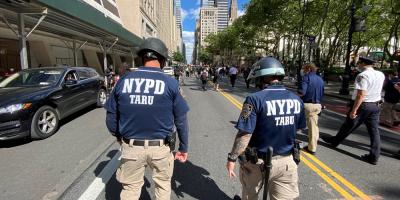 Unos 250 manifestantes detenidos en Nueva York por desafiar el toque de queda