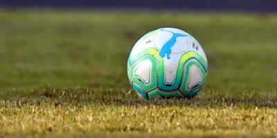 La federación neerlandesa propone partidos con estadios llenos en enero