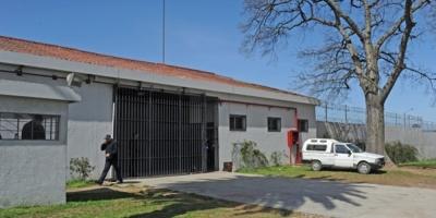 Dos funcionarias fueron tomadas de rehén durante un incidente entre internos en un hogar del Inisa