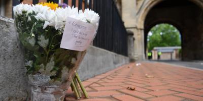 La policía británica sigue interrogando al sospechoso del atentado en Reading
