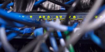 Desarrollan técnica para mejorar con fibra óptica redes de centros de datos
