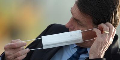 Bolsonaro insiste en que reacción a la pandemia fue exagerada