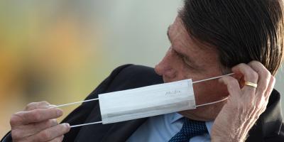 La Justicia determina que Bolsonaro sea multado si no usa tapabocas preventivo