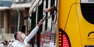 Sao Paulo realiza operativos para verificar el uso obligatorio de máscara