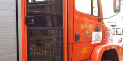Una persona falleció y dos resultaron hospitalizadas a raíz de un incendio en una casa de Parque del Plata