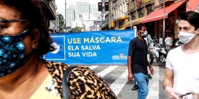 Sao Paulo, epicentro del coronavirus en Brasil, reabre bares y centros de belleza