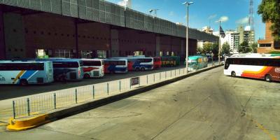 Trabajadores del transporte interdepartamental realizan paro por asamblea