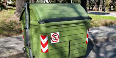 Más del 80 % de los contenedores nuevos sufrieron vandalizaciones o roturas