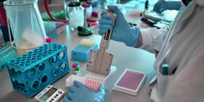 OMS: La gente no empezará a ser vacunada antes de primera parte de 2021