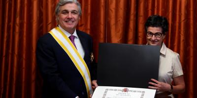 Bustillo fue condecorado con la Orden de Isabel la Católica en el grado Gran Cruz