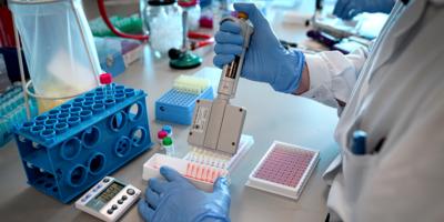 """Científicos logran explicar cómo algunos tumores cerebrales consiguen """"esquivar"""" quimioterapia"""