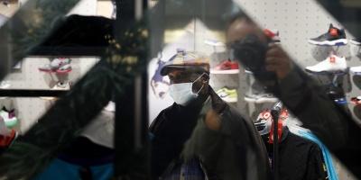 El primer ministro griego pide responsabilidad ante aumento de casos de COVID