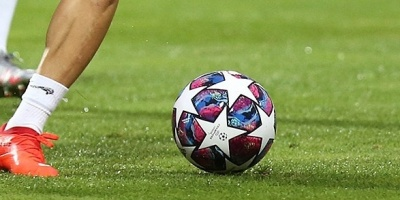 Los positivos en COVID-19 se reproducen en el fútbol español