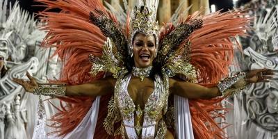 Río habilita eventos en escuelas de samba pese a que covid sigue sin control