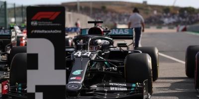Hamilton le arrebata la pole a Bottas in extremis